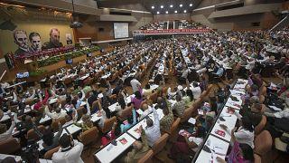مندوبون يحضرون المؤتمر الثامن للحزب الشيوعي في هافانا عاصمة كوبا. 2016/04/16