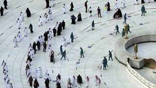 السعودية نيوز |      تعرف على التعليمات الخاصة بالمعتمرين القادمين من الخارج لأداء العمرة