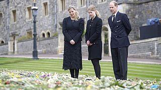 Letztes Geleit für Prinz Philip: Harry und William absichtlich getrennt?