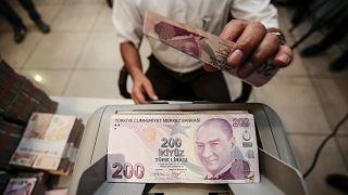 CHP'den asgari ücretle çalışanlar ve emekliler için kanun teklifi / Arşiv