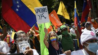 Protesta para pedir una mejor distribución de las vacunas en Venzuela