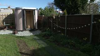 """En pleine vogue du télétravail, une agence londonienne invente le """"bureau de jardin"""""""