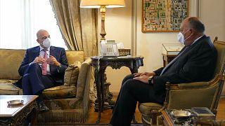 Ο Έλληνας υπουργός Εξωτερικών συνομιλεί στο Κάιρο με τον Αιγύπτιο ομόλογό του
