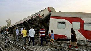 El tren que descarriló este domingo en la localidad de Tuj, en Egipto