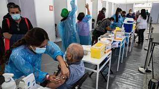 Centro de vacunación instalado en el Estadio Bicentenario de Santiago de Chile.
