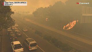 Νότια Αφρική: Μεγάλη πυρκαγιά στο Κειπ Τάουν