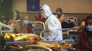 Hindistan'ın başkenti Yeni Delhi'de Covid-19 tedavisi gören hastalar