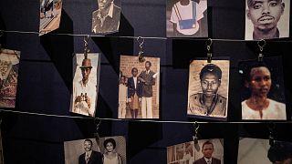 صور ضحايا المجازر في النصب التذكاري للإبادة الجماعية في كيغالي- رواندا.