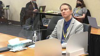 Antigo agente da polícia, Derek Chauvin, incorre em três acusações