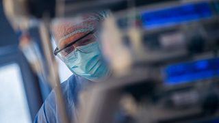 Ápoló a Szent László Kórházban