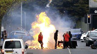 سنگ و آتش؛ پاسخ معترضان ایرلند شمالی به پروتکل برکسیت