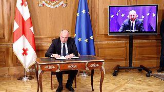 Gürcistan'da siyasi krizi sonlandıran anlaşma imzalandı