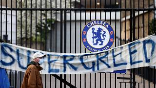Protestbanner am Chelsea-EIgangstor