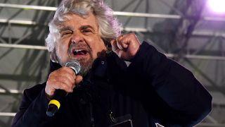 بيبي غريلو مؤسس حركة خمس نجوم في إيطاليا