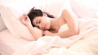النوم لساعات قليلة مرتبط بزيادة خطر الإصابة بالخرف