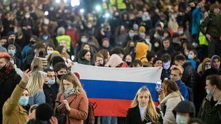 مؤيدون للمعارض الروسي ألكسي نافالني يحتجون بالعاصمة الروسية موسكو ويطالبون بإطلاق سراحه. 21/04/2021