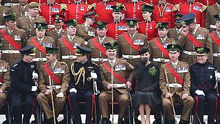 Rapor: İngiltere'de siyahi ve Asyalı askerler yaygın ırkçılık nedeniyle eşit şekilde anılmadı
