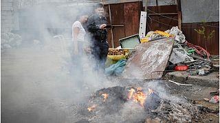 فقراء رومانيا يجدون في حرق النفايات السبيل الوحيد لنجاتهم