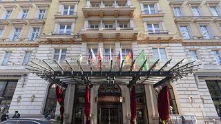 فندق غراند هوتيل في فيينا حيث تعقد محادثات نووي إيران، 9 نيسان/أبريل 2021