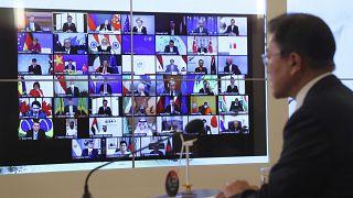 رئيس كوريا الجنوبية يتحدث خلال القمة الافتراضية حول التغير المناخي. 22/04/2021