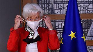 Christine Lagarde mantém o uso da máscara na política monetária europeia