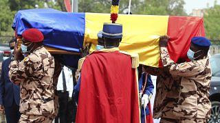 Cercueil du président tchadien Idriss Déby, lors de la cérémonie d'obsèques à N'Djamena, le 23/04/2021