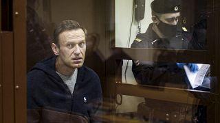 Russia, l'oppositore Alexei Navalny interrompe lo sciopero della fame