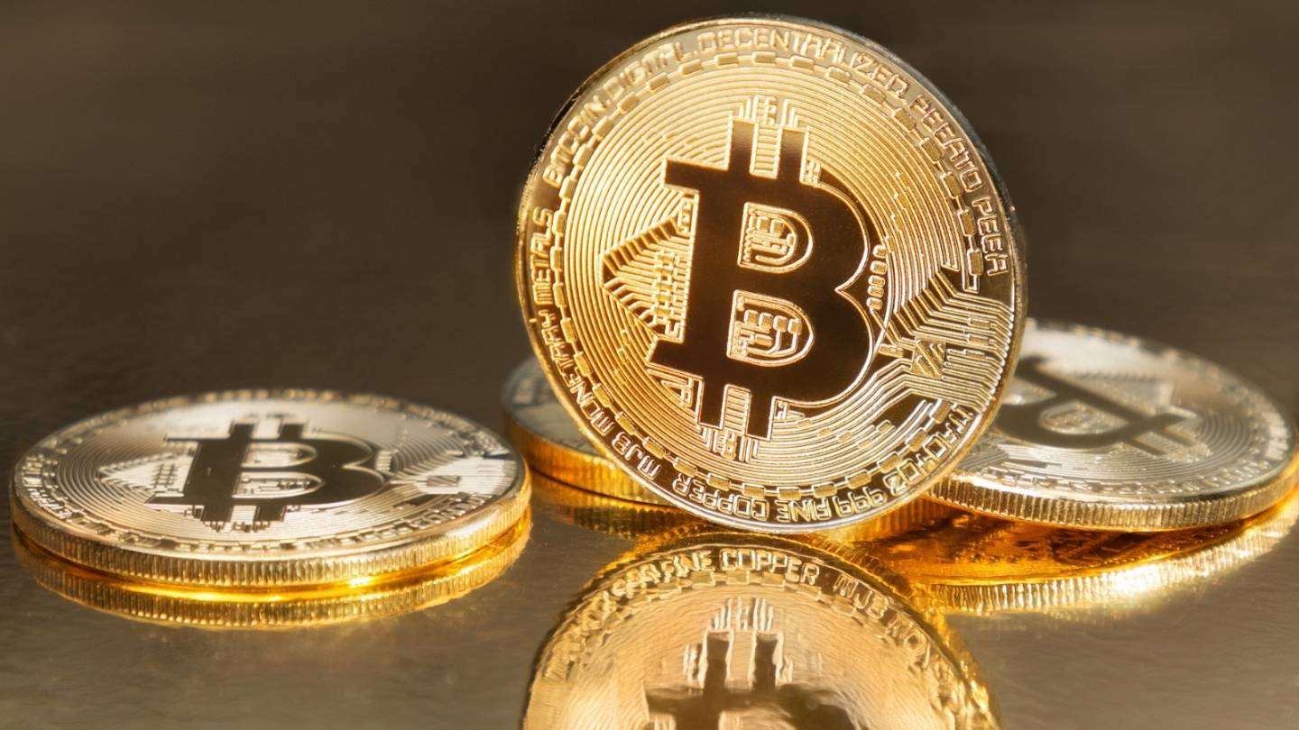 Bitcoin Tumbles Below 50 000 After Reports Joe Biden Will Raise Taxes On Investments Euronews