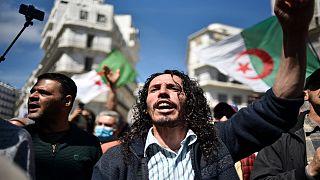 """متظاهرون جزائريون في """"الجمعة 114"""" للحراك الاحتجاجي"""