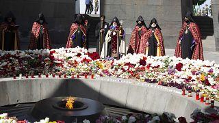 Le Catholicos de tous les Arméniens Karekine II au mémorial du génocide des Arméniens, Erevan, Arménie, le 24 avril 2021