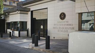 Entrada de la embajada de Estados Unidos en Ankara, Turquía, el 20 de agosto de 2018. (Archivo).
