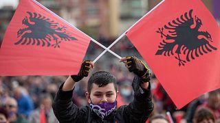 Граждане Албании избирают парламент