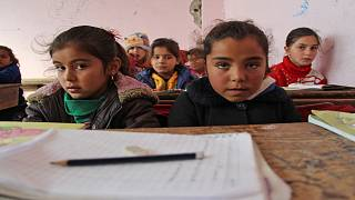 تلاميذ على مقاعد الدراسة في إحدى المدارس السورية شمال غربي البلاد