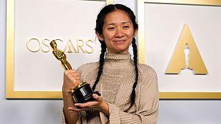 کلویی ژائو، کارگردان فیلم «خانهبهدوشها» برنده دو اسکار بهترین فیلم و بهترین کارگردانی