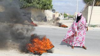 Gunfire erupts in Somalia as fears mount over civil war