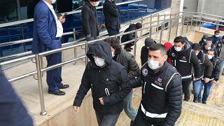 İstanbul ve İzmir merkezli operasyonda 459'u muvazzaf 532 kişi hakkında gözaltı kararı verildi.