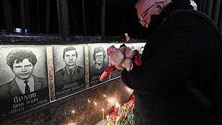 یادبودی برای آتشنشانان چرنوبیل در اوکراین