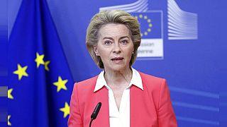 Ursula von der Leyen sugirió que pronto se producirá un cambio en la política de viajes de la UE.