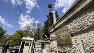 La Roumanie expulse à son tour un diplomate russe, la bataille continue entre Moscou et Prague