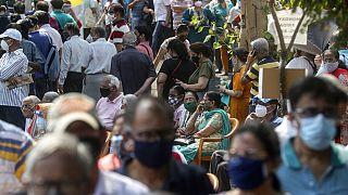 Corona-Albtraum Indien: Sterben auf dem Klinik-Parkplatz