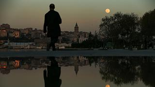 Türkiye'de salgın nedeniyle tam kapanma kararı alındı