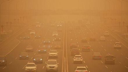 Enormous sandstorm sweeps across Inner Mongolia