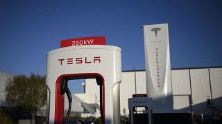 """شركة """"تيسلا"""" لصناعة السيارات الكهربائية"""