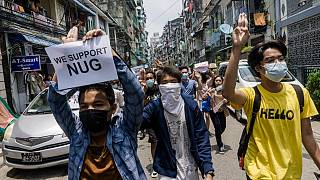 Flash mob protest coup in Yangon streets