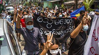 A Rangoun, des manifestants défilent à nouveau contre le coup d'Etat