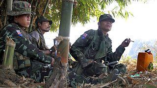 Myanmar'ın doğusunda Taylan sınırı üzerinde yaşayan Karen gerillaları.