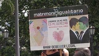Un cartel a favor del matrimonio entre personas del mismo sexo