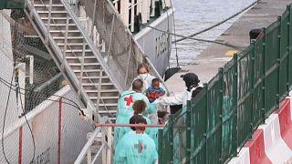 Llegada de migrantes al Puerto de los Cristianos, al sur de Tenerife