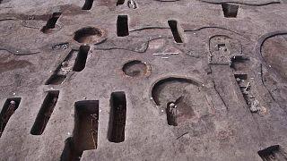 Mısır'da yapılan arkeolojik kazılarda, tarihi MÖ 6000'e ulaşan 110 mezar bulundu.