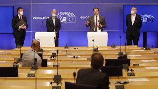 Los europarlamentarios David McAllister, Andreas Schieder, Christophe Hansen and Bernd Lange tras el debate dle martes